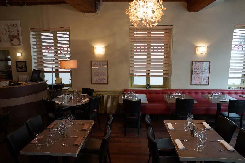design global d 39 un restaurant italien semi gastronomique momento sapori e vini lyon 2eme. Black Bedroom Furniture Sets. Home Design Ideas